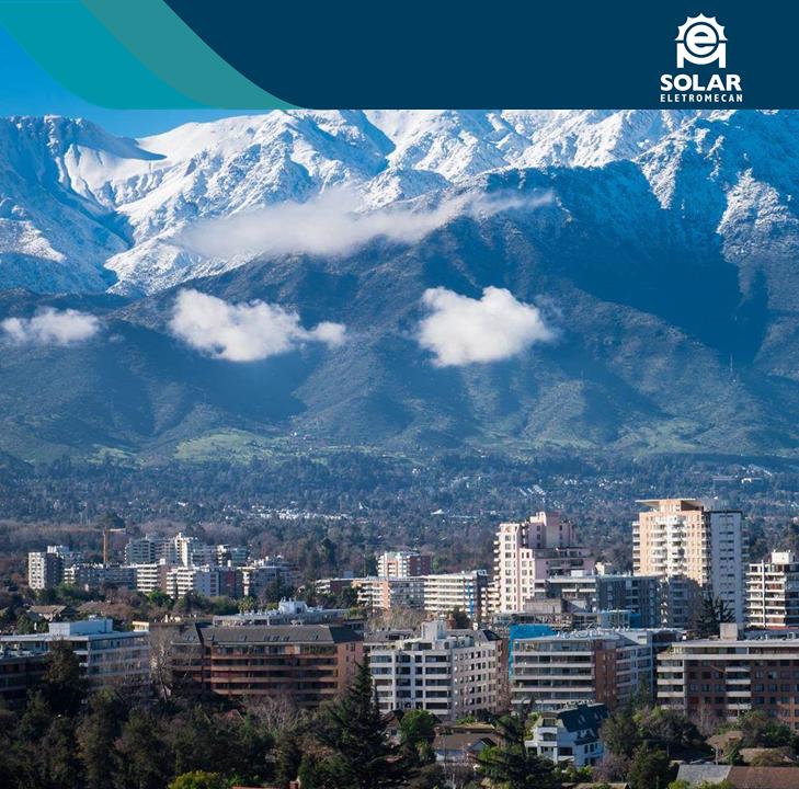 Imagem mostra cordilheira dos andes na cidade de Santiago do Chile